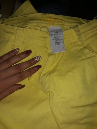 Zanimljive tanke pantalone,tesne uz telo,boje limun zuto, velicina - Vranje