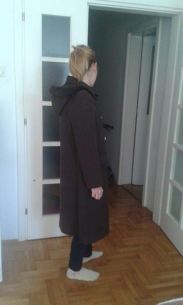 Prelep braon kaput br 40,kaput je kupljen i nenosen. - Belgrade