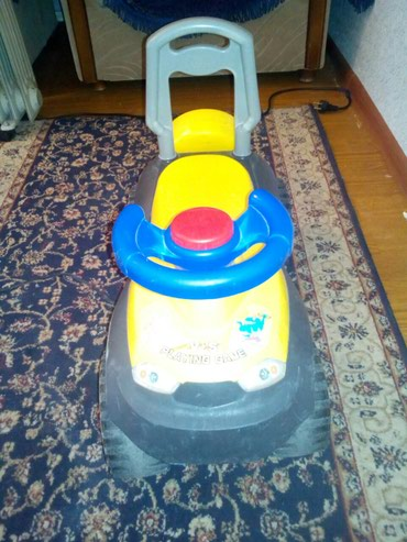 Машинка детская идеальное состояние в Бишкек