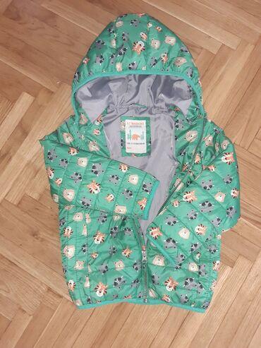 Prelepa jaknica za decaka vel.za dete 4-5 godina ili 104-110. Duzina
