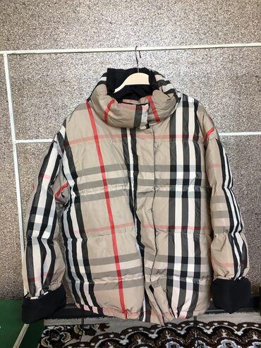 shorty burberry в Кыргызстан: Продаю куртку Burberry  куртка двухсторонняя  хорошим клиентам уступлю