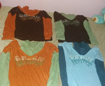 Bluzice velicina univerzalna cena 350 din kom - Smederevo
