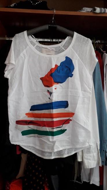 Majica jedan - Srbija: Majica zara. sa jedne strane lan i aplikacija a sa druge pamuk kao