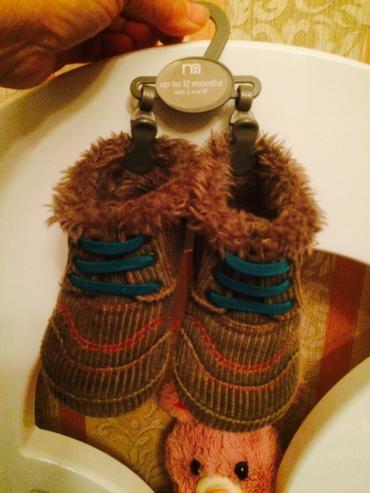 детские лаковые туфли в Азербайджан: Детские Мазакея в хорошем состоянии 19размер сапожки