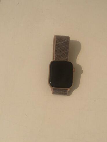 Təcili satılır. Apple Watch 4.İdeal vəziyyətdədir çox az istifadə