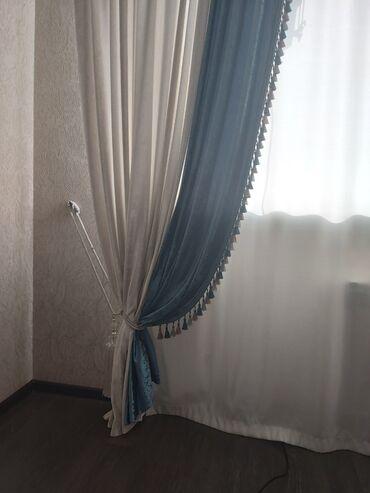 Шторы и жалюзи - Кыргызстан: Продаю шторы бархат материал очень хорошего качества,молочно- берёза