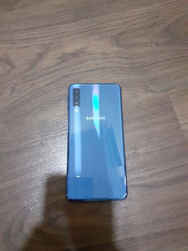 Электроника в Шемахы: Б/у Samsung A7 64 ГБ Синий