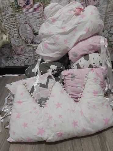 Бортики в кроватку для принцессы б/у в в Бишкек