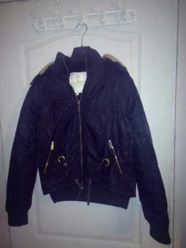 Zimska jakna sa kapuljačom xl veličina bez ostecenja - Kraljevo