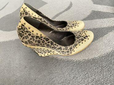 Личные вещи - Токтогул: Туфли женские на платформе
