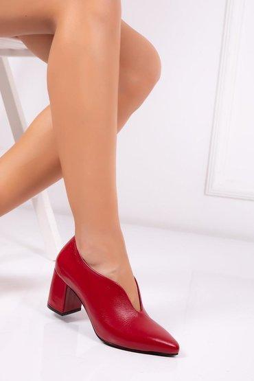 В наличии туфли (кожа) производство Турция,размер 37-38