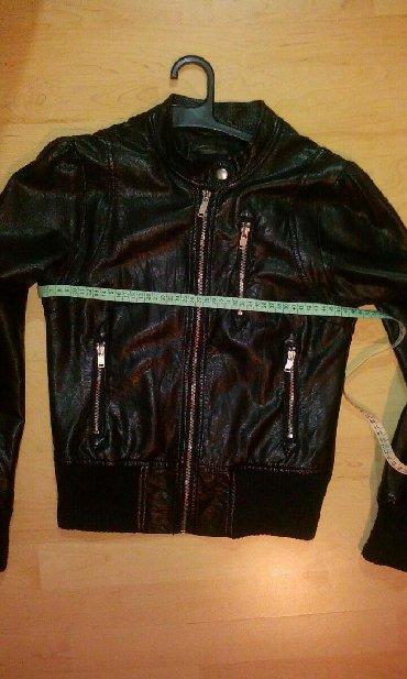 Ženska odeća   Svrljig: Ženska jakna veličina 38. Sa tragovima nošenja,na poslednje dve slike