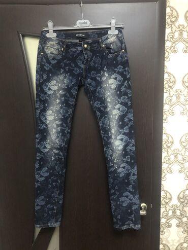 Женские джинсы новые, куплены в Италии, размер s-m( до 44 размера)