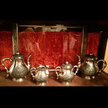Bakı şəhərində Gümüş qedimi Vyetnam çay dəsti