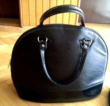 Elegantna crna torba jako lep model torbe - Loznica