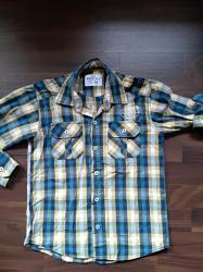 Košulje za dečaka. Veličina 128-8. Očuvane i bez oštećenja. Cena - Ruma