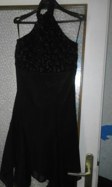 Haljina crna elegantna bez ledja velicina 36 - Obrenovac