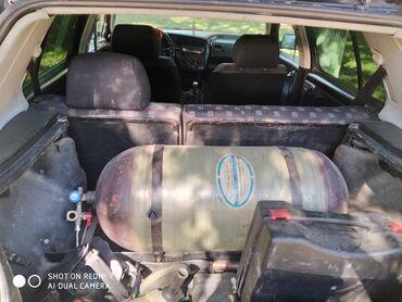 Транспорт - Кемин: Volkswagen Vento 1.8 л. 1993 | 111111111 км