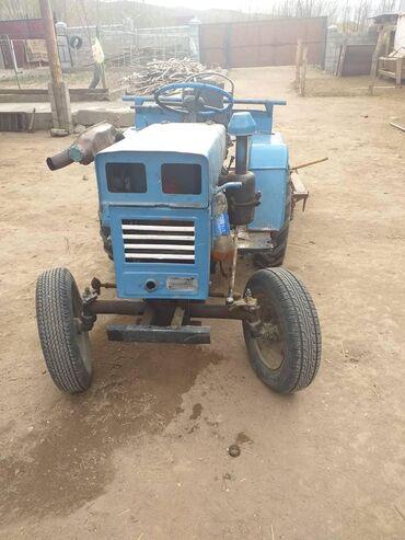 Срочно продаю трактор