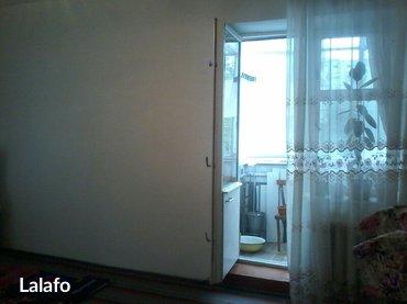 Срочно продаю 2-х  комн. 106 серии кв. в кирпичном доме на 1-м этаже.  в Кара-Балта