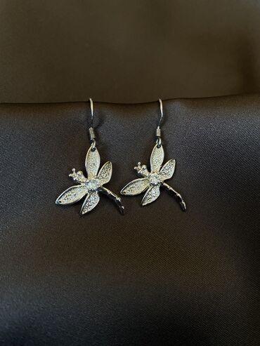 Аксессуары - Бишкек: Серебрянные сережки с форме стрекоз с цирконием