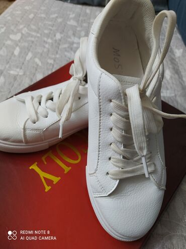 реставрация обуви бишкек в Кыргызстан: Продаю,почти новые, размер 39 на 38 маломерятв отличном состоянии