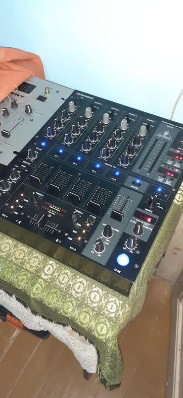 Prodajem cetvorokanalni DJ mixer u dobrom stanju. Dosta dobro je