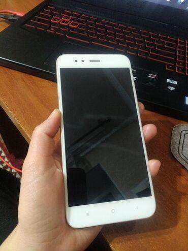 Продается смартфон MI 5 xв хорошем состоянии экран целый состояние