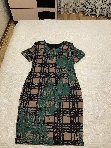 теплое платье с длинным рукавом в Кыргызстан: Платье турецкое б/у очень хорошего качества. Спереди цветное, сзади тё