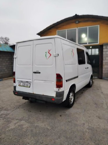 Mercedes-Benz в Кара-Балта: Mercedes-Benz Sprinter 2.2 л. 2001