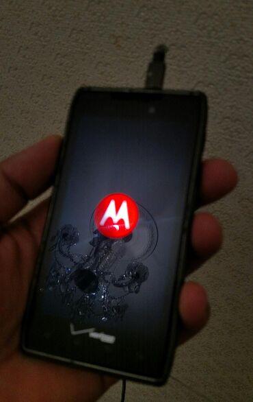 motorola razr hd - Azərbaycan: Motorola Droid Razr,bataryası yoxdu basqa tam islekti,xsusi usb şnurla