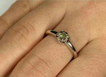 Куплю золотые или серебряные серьги/кольцо с александритом. фото при