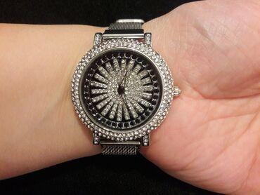 Gümüşü Qadın Qol saatları Corum