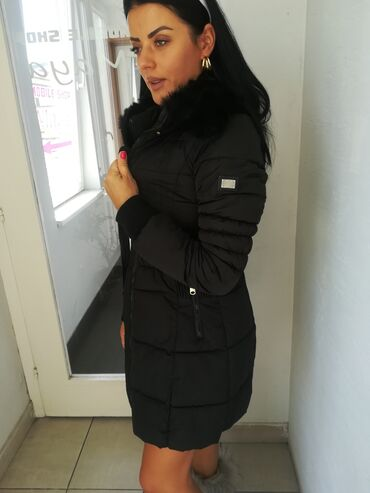 Jakna sa prirodnim krznom - Srbija: Prelepa zimska jakna sa prirodnim krznom vel S M Povoljno