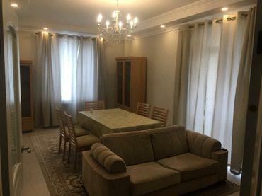 Сдается квартира: 3 комнаты, 87 кв. м., Бишкек в Бишкек