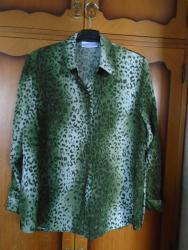 Jako lepa animal print košulja od viskoze, Sanremo. Model je komotan, - Belgrade