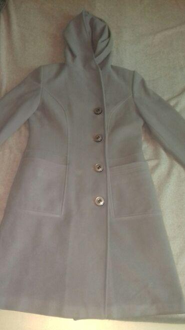 Пальто в хорошем состоянии размер 44-46-48
