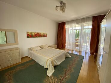 теплый гараж аренда в Кыргызстан: 110 кв. м, 3 комнаты, Теплый пол