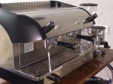 капсульная кофемашина nescafe в Кыргызстан: #продается кофемашина Bezzera с кофемолкой Mazzer(оборудование в