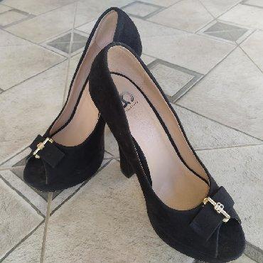 черные-женские-туфли в Кыргызстан: Туфли элегантнаяКаблукКачество супер Состояние новоеОтдаю очень