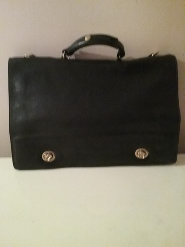 Crna zenska poslovna torba kozna dosta ocuvana moguca zamena - Arandjelovac
