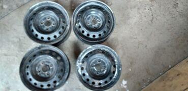 r14 диски в Кыргызстан: Продаю Диски штамповки ровные не катанные комплект 4шт подходит на не