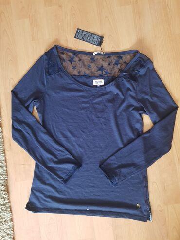 Bluza je - Srbija: Nova bluzica, pise S ali je po meni vise M