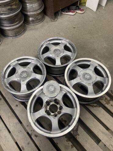 Шины и диски - Бишкек: Срочно диски размер r15 ширина 6,5j вылет et25 Разболтовка : 4х114,3 п