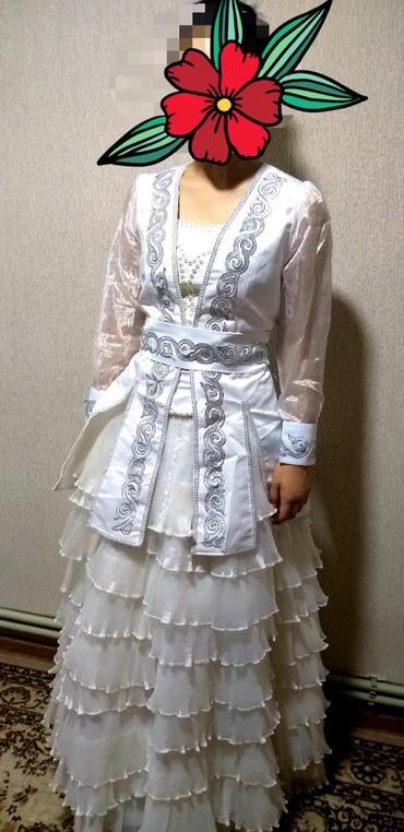 Свадебная и национальная платья в белом цвете в отличном состоянии мож