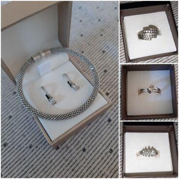 Prelep set nakita od srebra. Narukvica, mindjuse i tri prstena (vel