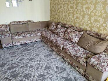 Диваны - Кыргызстан: Продаю большой угловой диван трансформер, в отличном состоянии, не