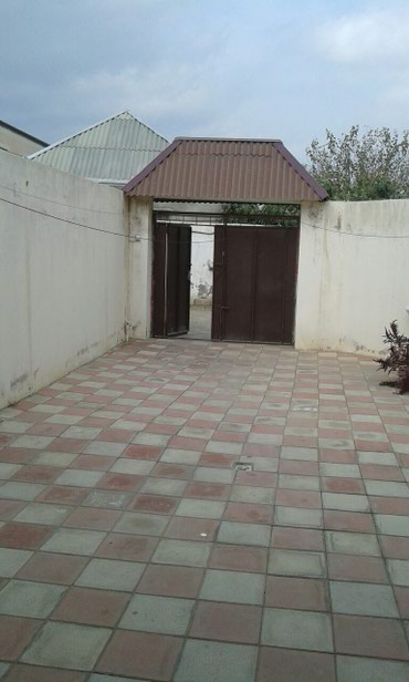 Bakı şəhərində 2 otaq tam təmirli cüt daw evin üstü beton paket dam kombi sistemi
