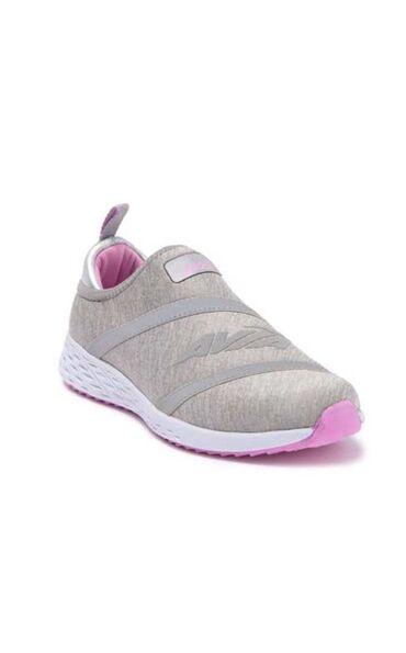 Личные вещи - Орто-Сай: Продаются кроссовки AVIA, БЕЗ ШНУРКОВ.Привезли из США. Качество