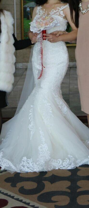 платья длинные на лето в Кыргызстан: Отдаю в аренду изумительно-красивое свадебное платье.Цена: 10 000 сом